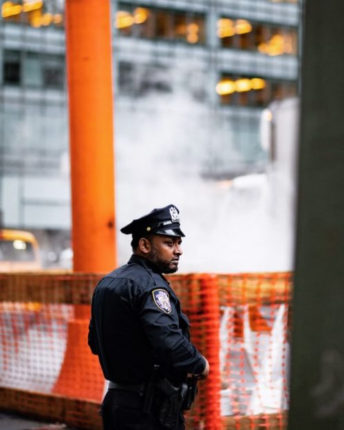 The main reasons to turn to security services for commercial buildings and businesses