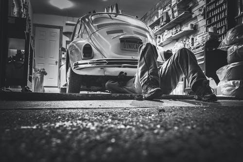 How Do You Become an Auto-Mechanic?
